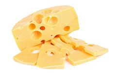 Ser żółty pokrojony w plastry